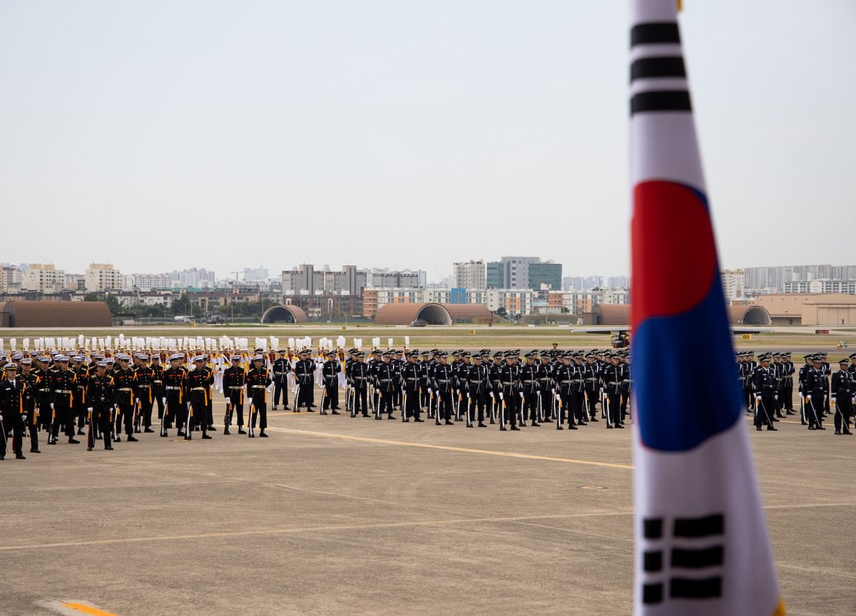 Japan-South Korea Bickering Drags On After Intel Pact Rescue