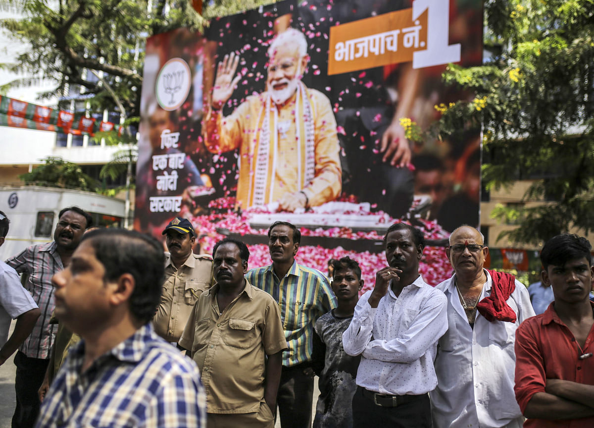 Putting on the SqueezeWon't Tame India's TwinCrises
