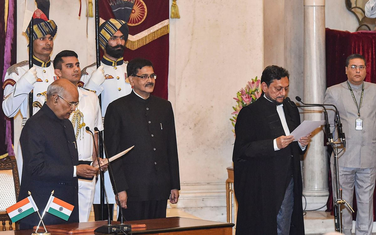 President Ram Nath Kovind administers the oath of office to Justice Sharad Arvind Bobde after he was appointed as the 47th Chief Justice of India (CJI) at Rashtrapati Bhavan, in New Delhi, Monday, Nov. 18. (Source: PTI)