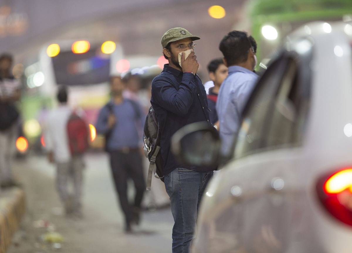 Delhi's Dirty Air Has Intangible Costs for a Slowing Economy