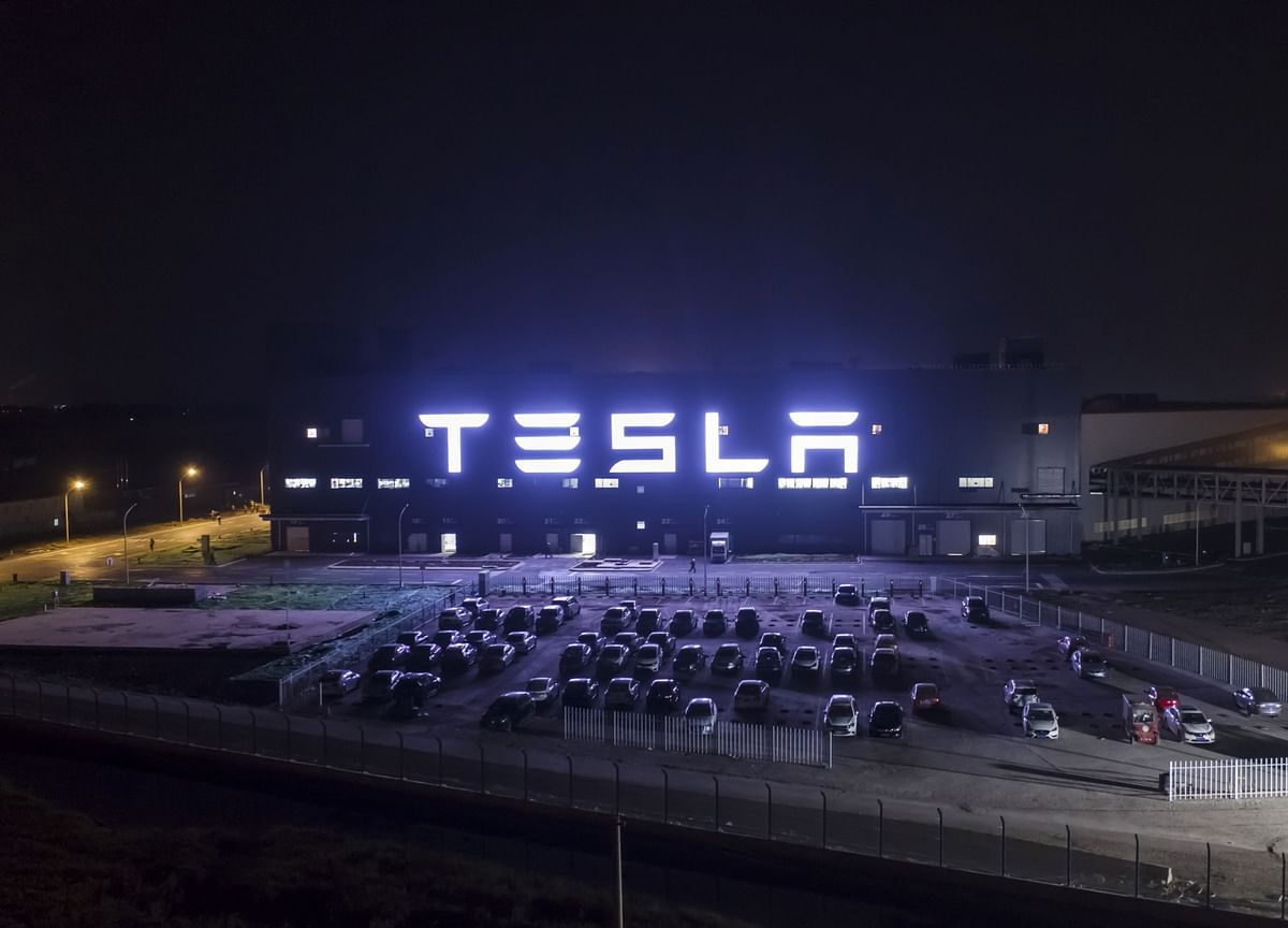 Tesla Reaches Preliminary Battery-Supply Deal With CATL