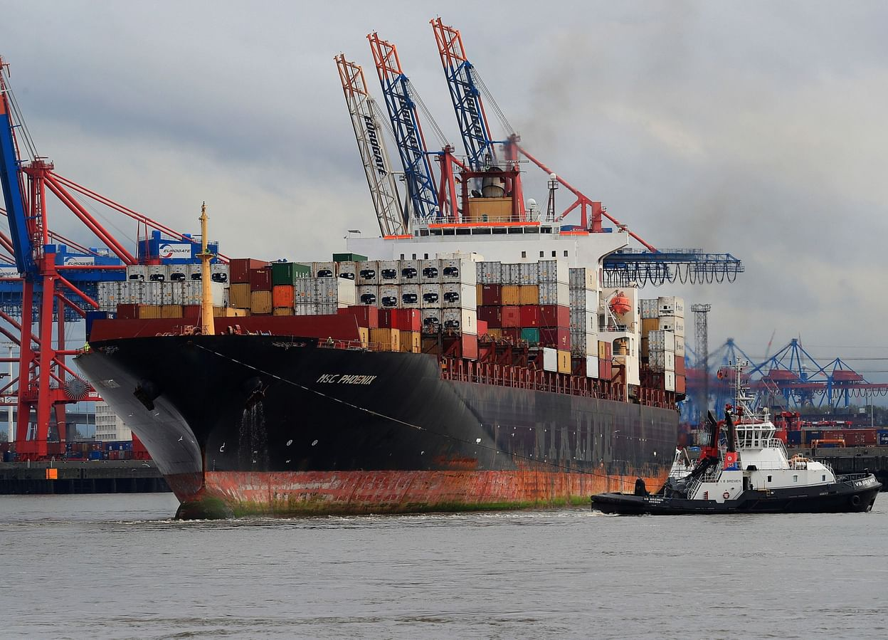 Billionaire raises his bet on containerships brisnet online betting