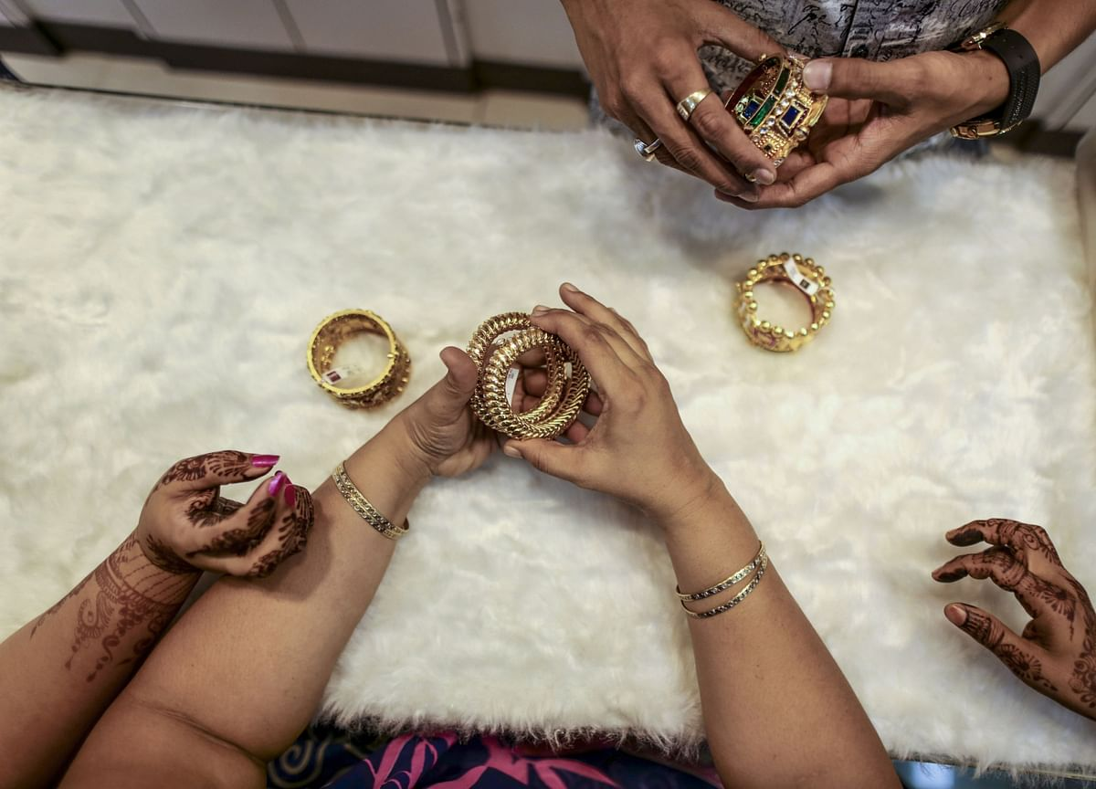 Government Raises Duty Drawback Rates For Gold, Silver Jewellery Exports
