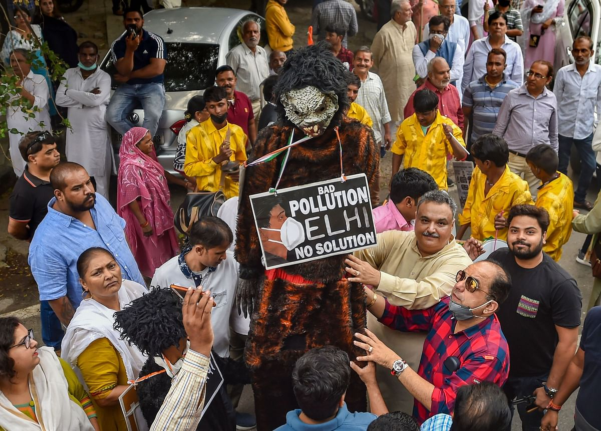 Protest against Delhi Chief Minister Arvind Kejriwal in relation to the soaring pollution levels in Delhi (Source: PTI)