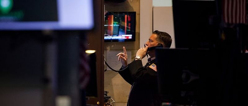 U.S. Stocks Plunge, Bonds Surge After CDC Warning: Markets Wrap