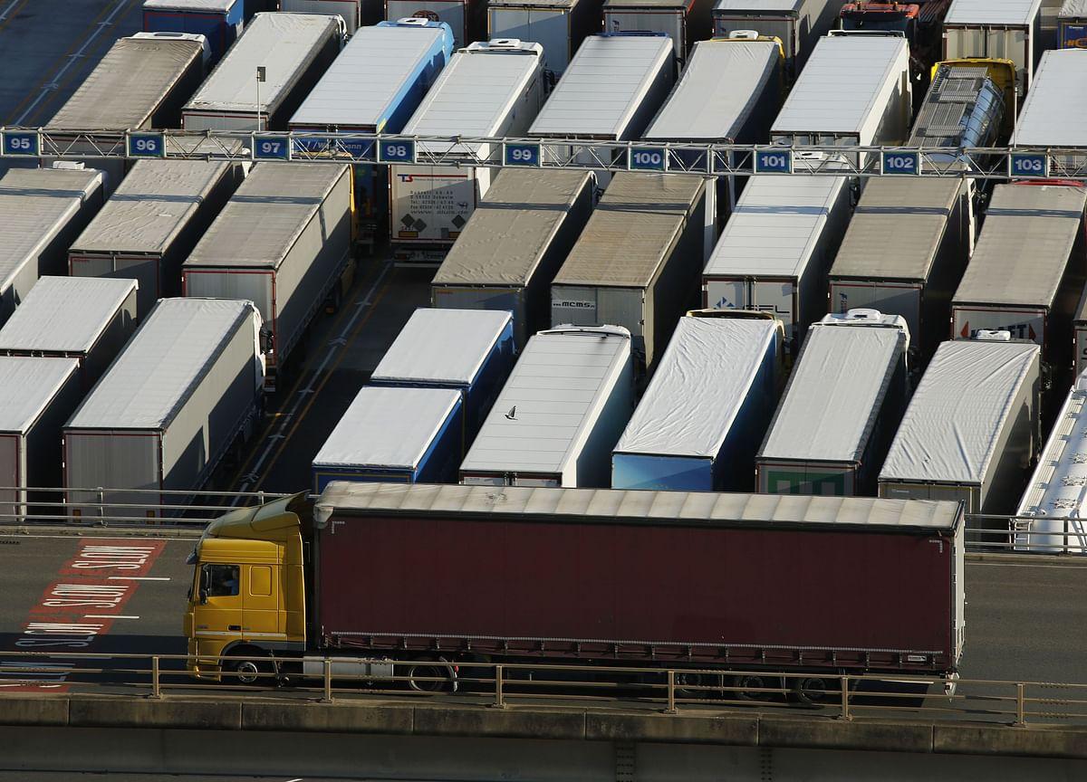 France Mocks U.K. Threats on Trade Talks as 'For the Birds'