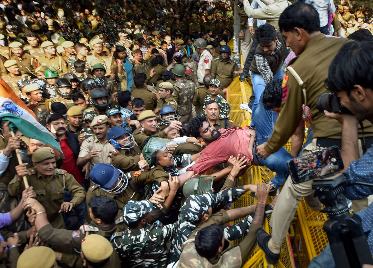 Police Stop JNU Students' March Towards Parliament, Baton-Charge Protesters