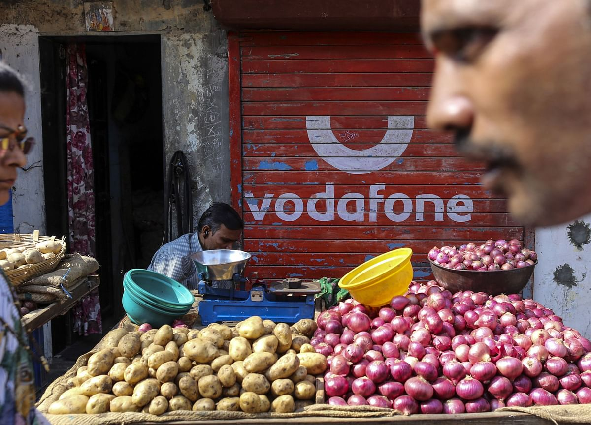 Vodafone India Unit Pleads for Relief After $7 Billion Loss