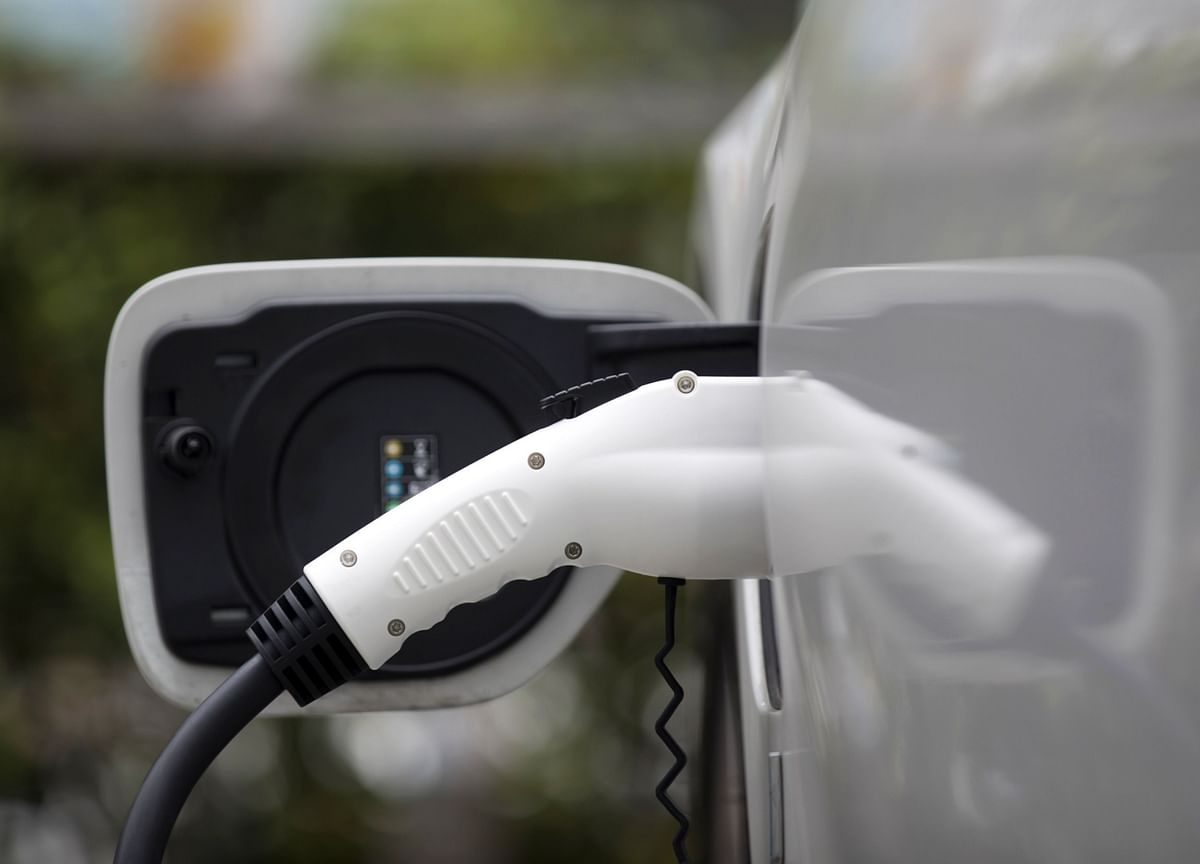 EESL, HPCL Sign Pact To Set Up EV Charging Infrastructure In India