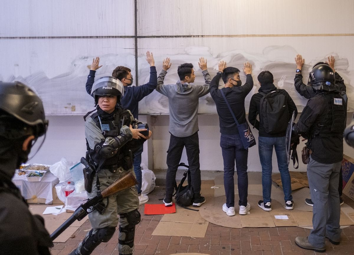 Hong Kong Protests Ease After Weekend of Arrests, Scuffles