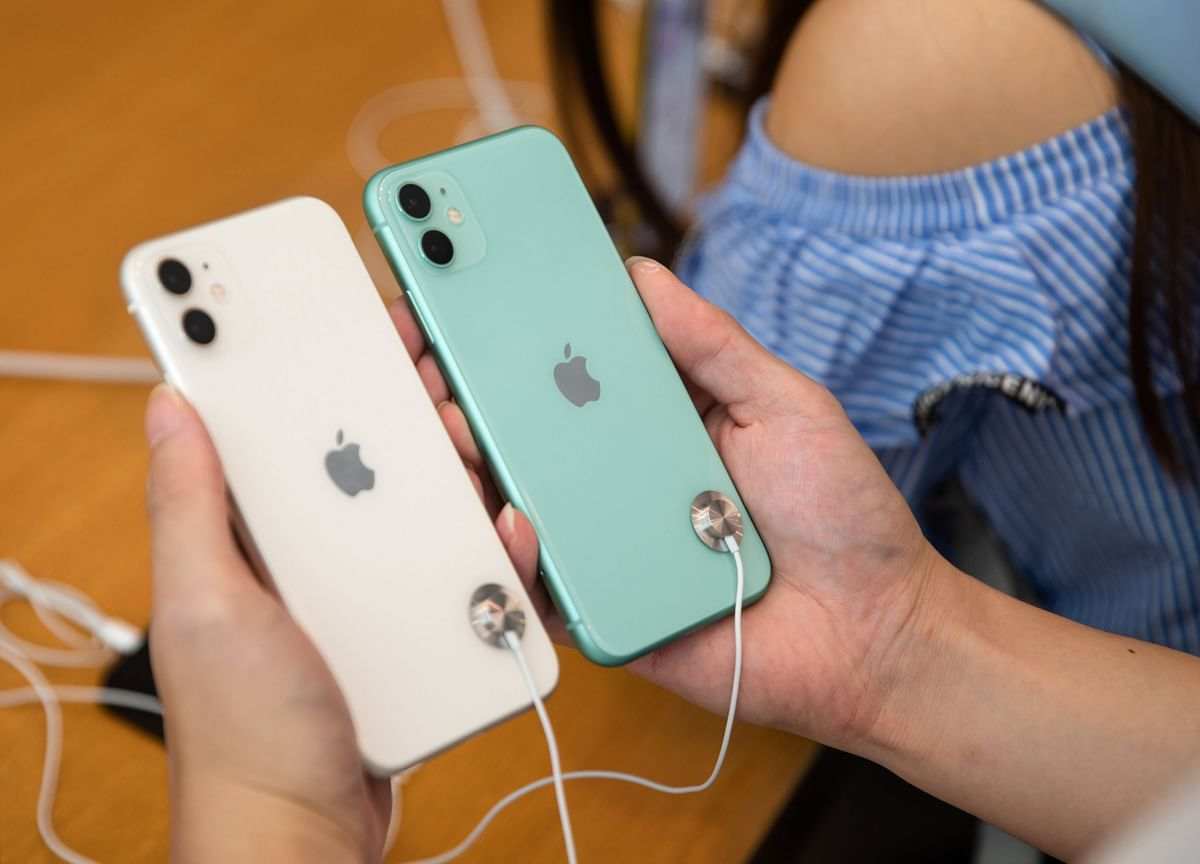Apple to Dodge $150-Per-IPhone Levy If Trump Delays Tariffs