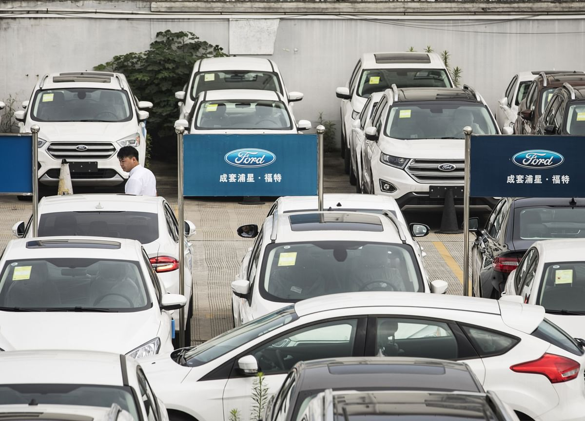 China Car Market Heads for Unprecedented Second Annual Drop