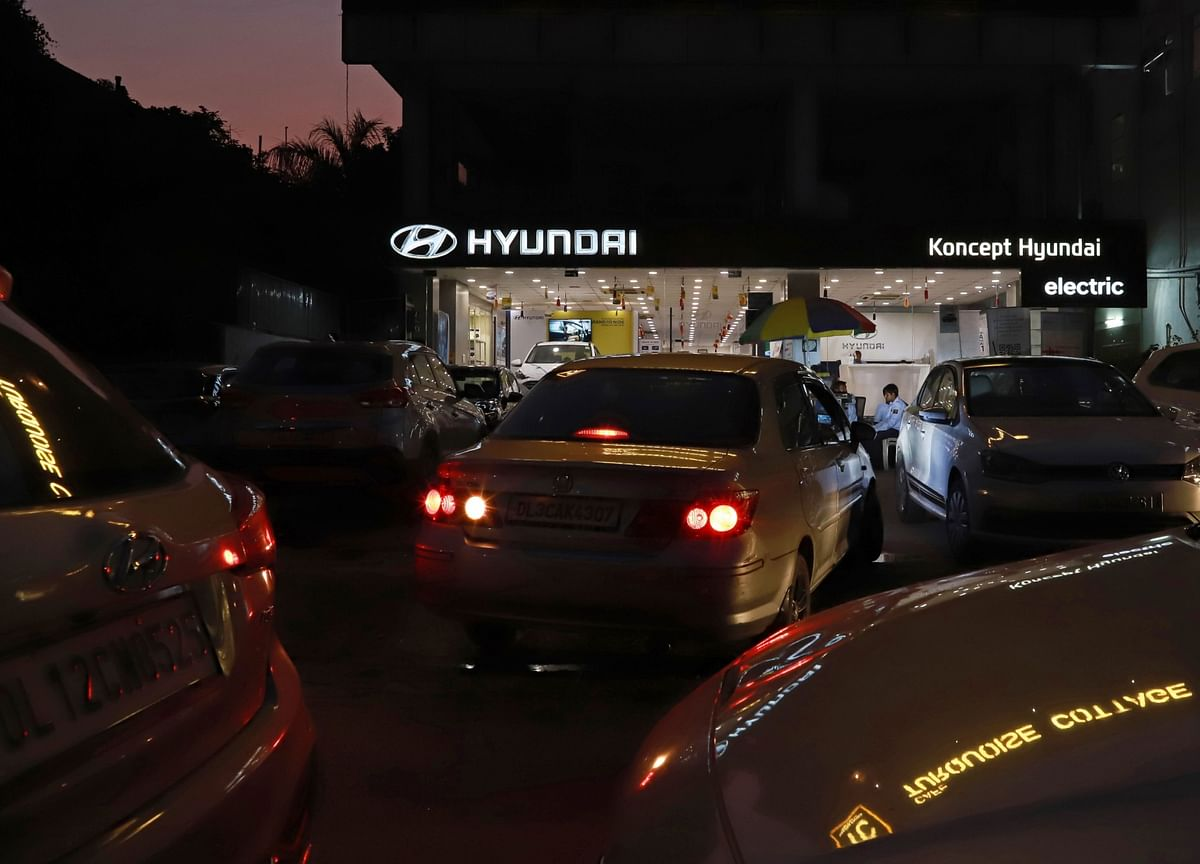 India's Car Dealers Risk Going Out of Business on Emission Norms