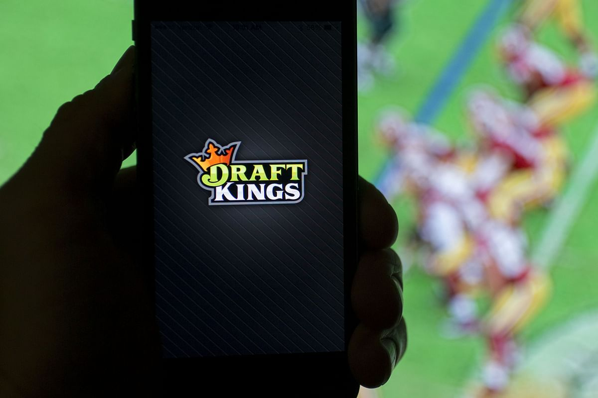 DraftKings Goes Public in $3.3 Billion Deal With Diamond