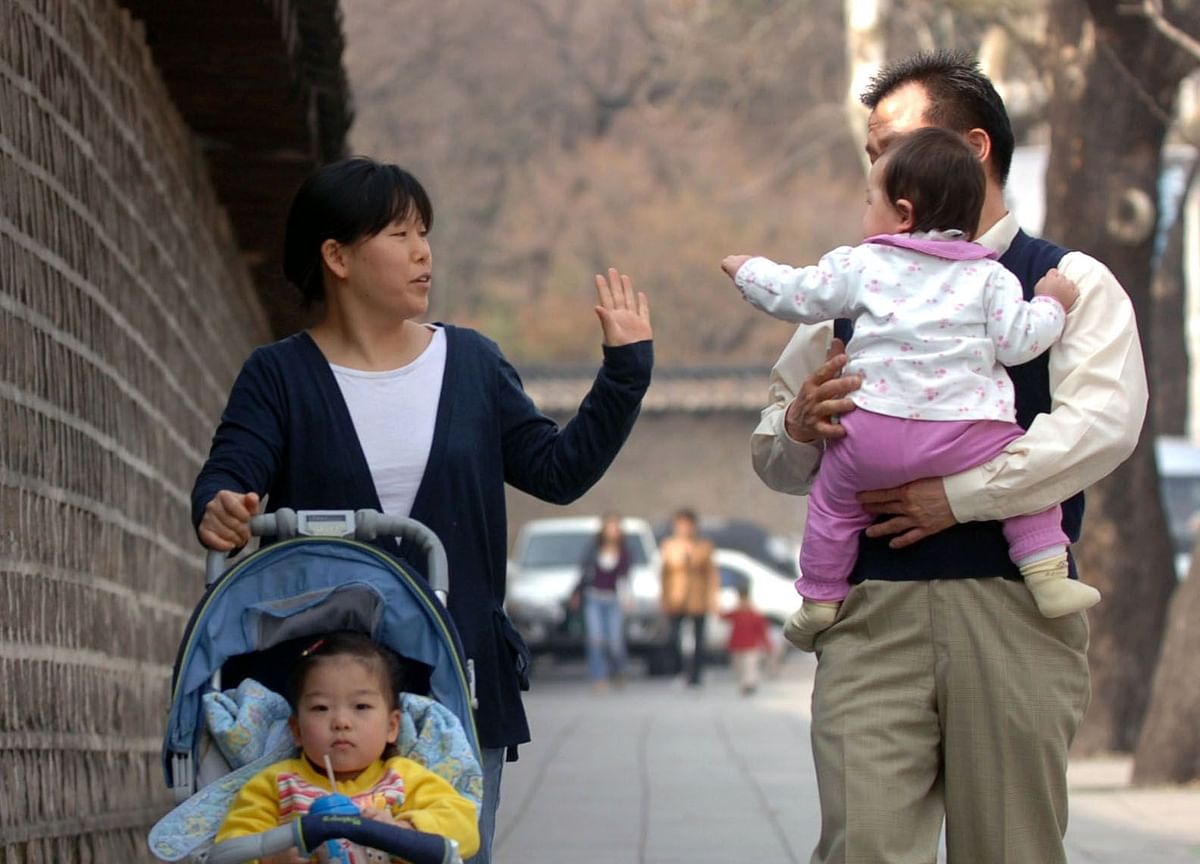 Babies and Rates: How Korea's Low Birth Rate Adds to QE Case