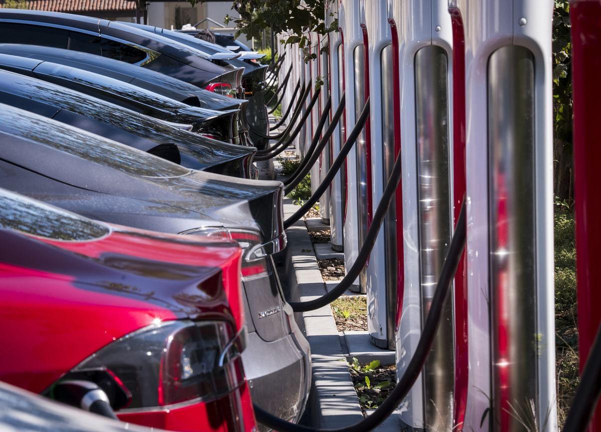 Trump Helped Nix Electric Car Tax Measure Sought by Tesla, GM