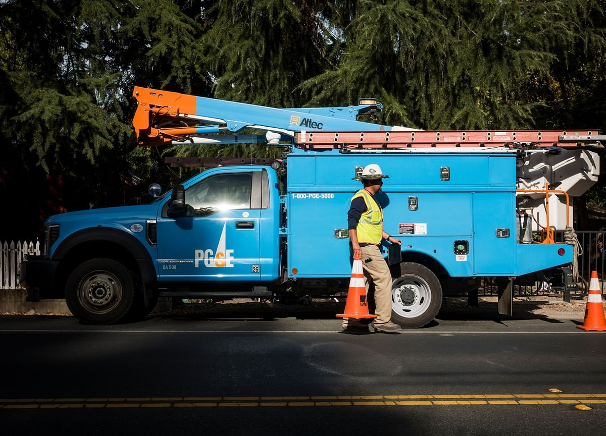 PG&E Wins Court Sign-Off on Fire Deals, Now Faces Governor