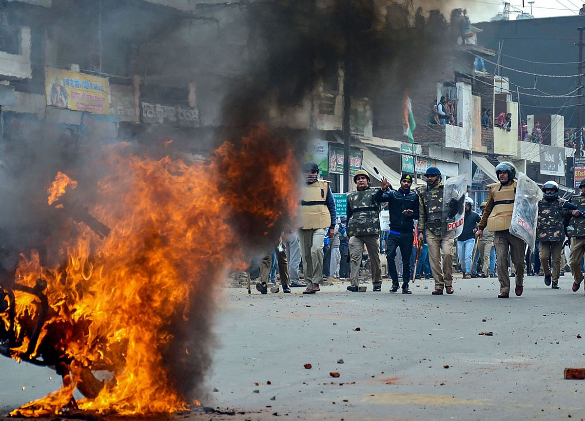 India Protests Turn Deadly as Government Crackdown Deepens