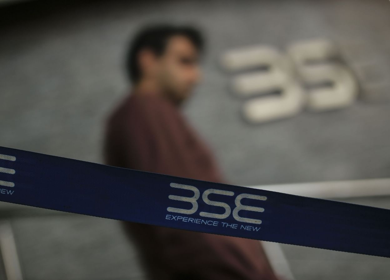Sensex Today Nifty Share Price Nifty Bank Nifty Option Chain Financial Markets Live Blog Updates Sensex Nifty Set To Open Lower Bloombergquint