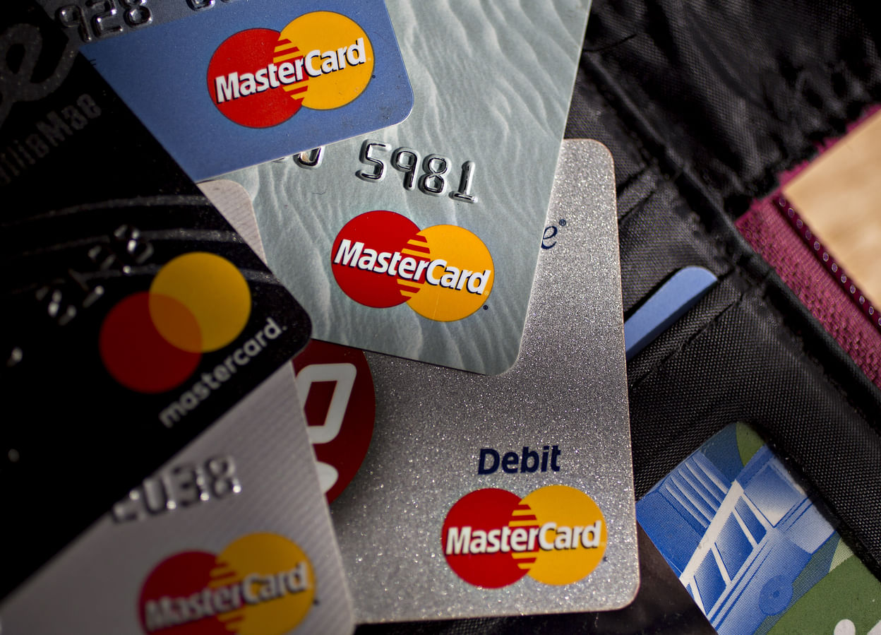 """""""Bitcoin"""" piniginė """"Xapo"""" skelbia pasaulinę """"MasterCard"""" debeto kortelę"""