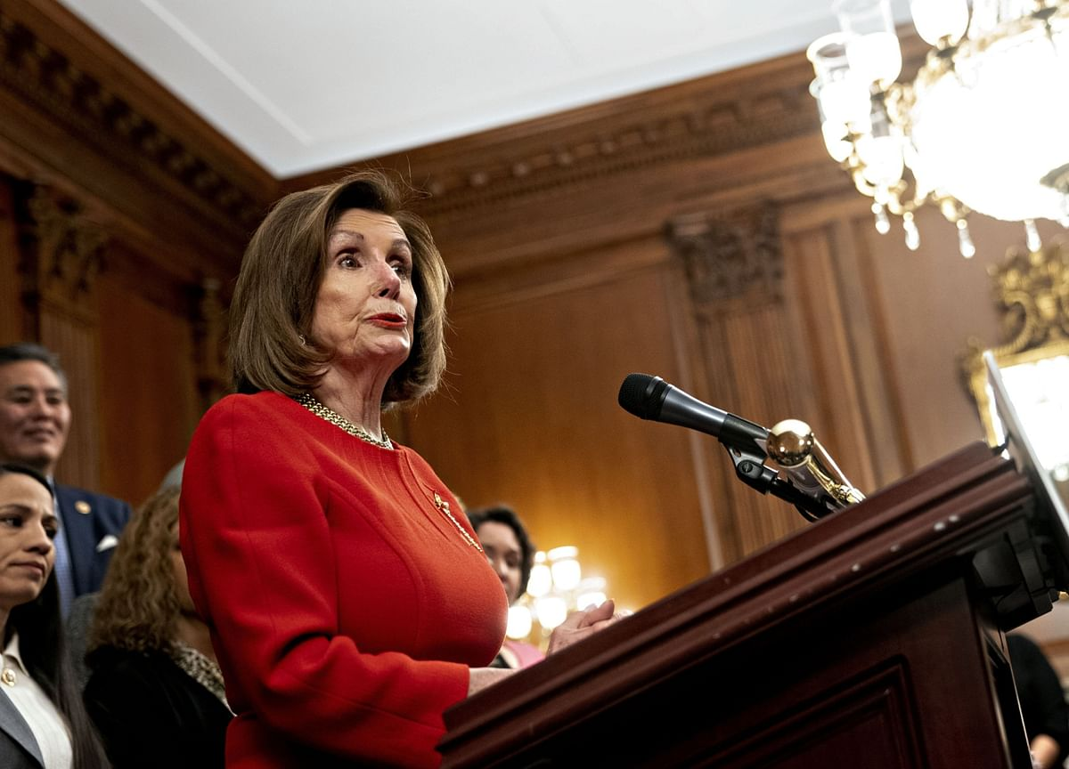 Pelosi, McConnell Dig In on Standoff Over Impeachment Trial