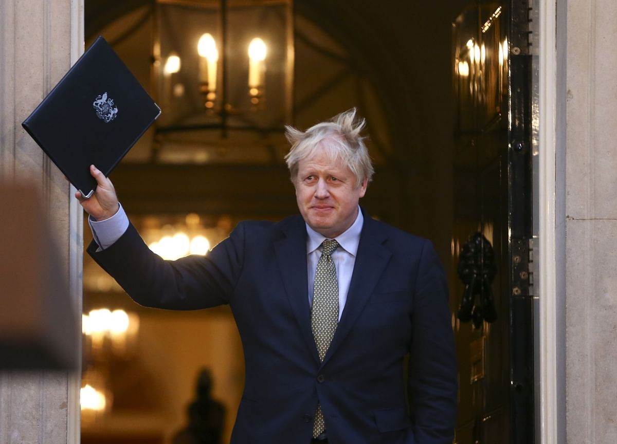 U.K. Wins Stronger Credit Assessment Following Johnson's Victory