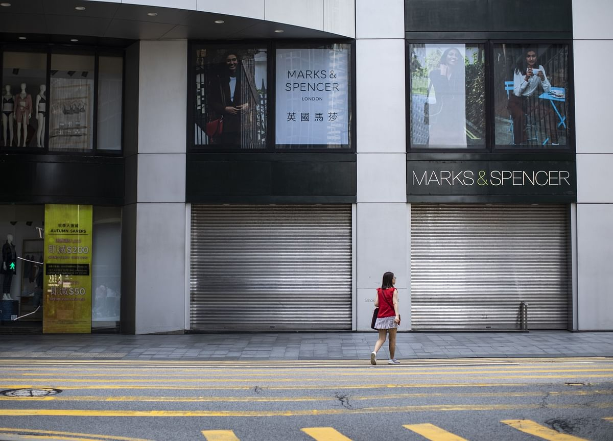 Hong Kong Set for 'Worst Ever' Wave of Layoffs, Store Closures