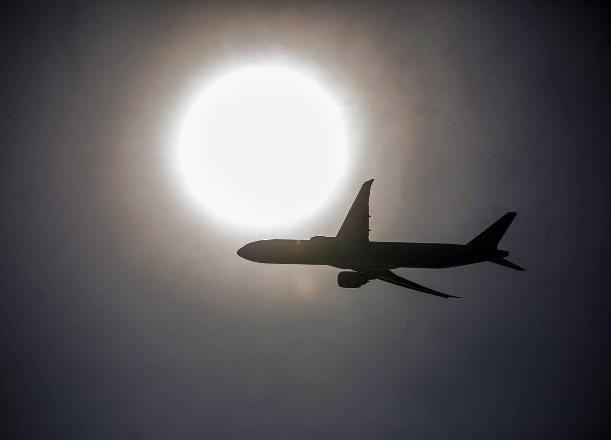 Boeing 737 Bound for Ukraine Crashes Near Tehran, Killing 176