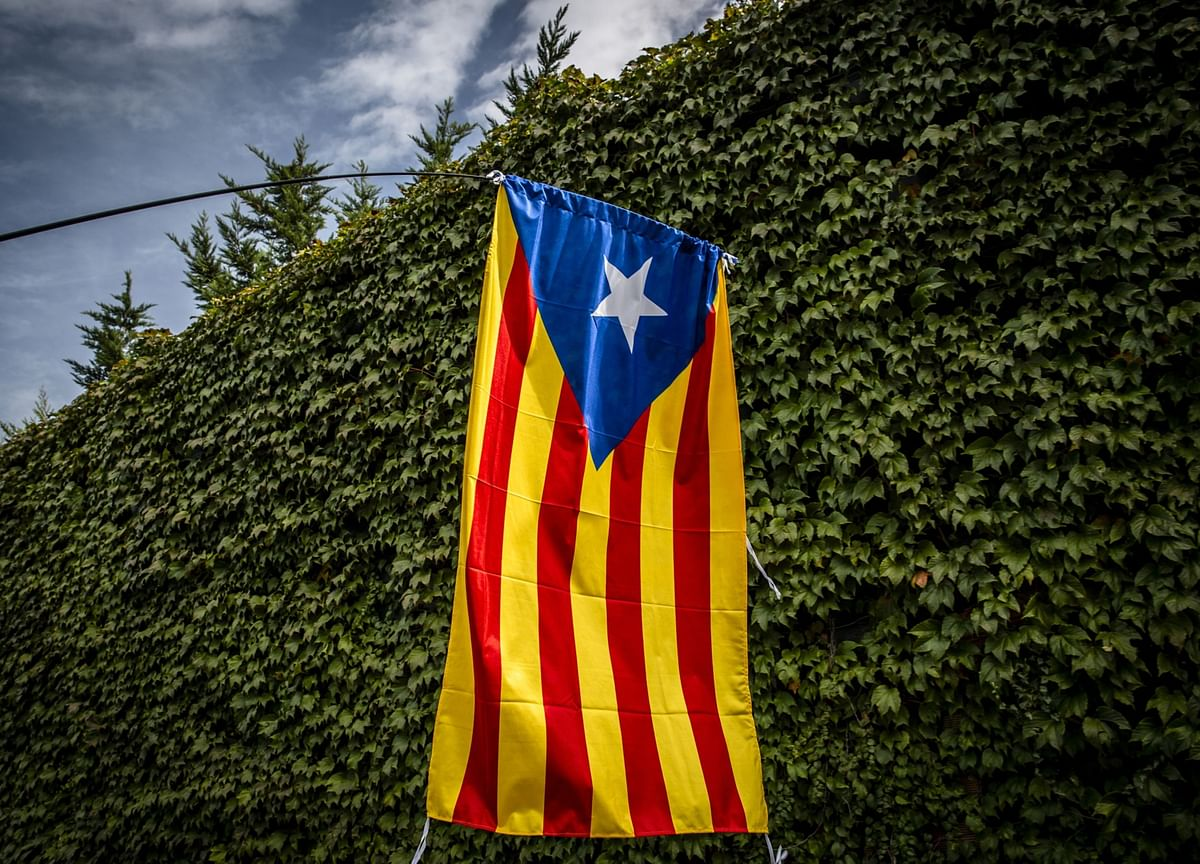 Spain to Proceed With Catalan Talks Under Separatist Pressure