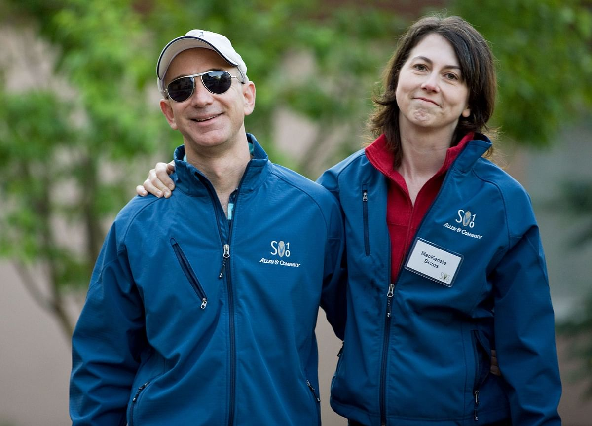 MacKenzie Bezos Shrinks Her Amazon Stake by About $400 Million