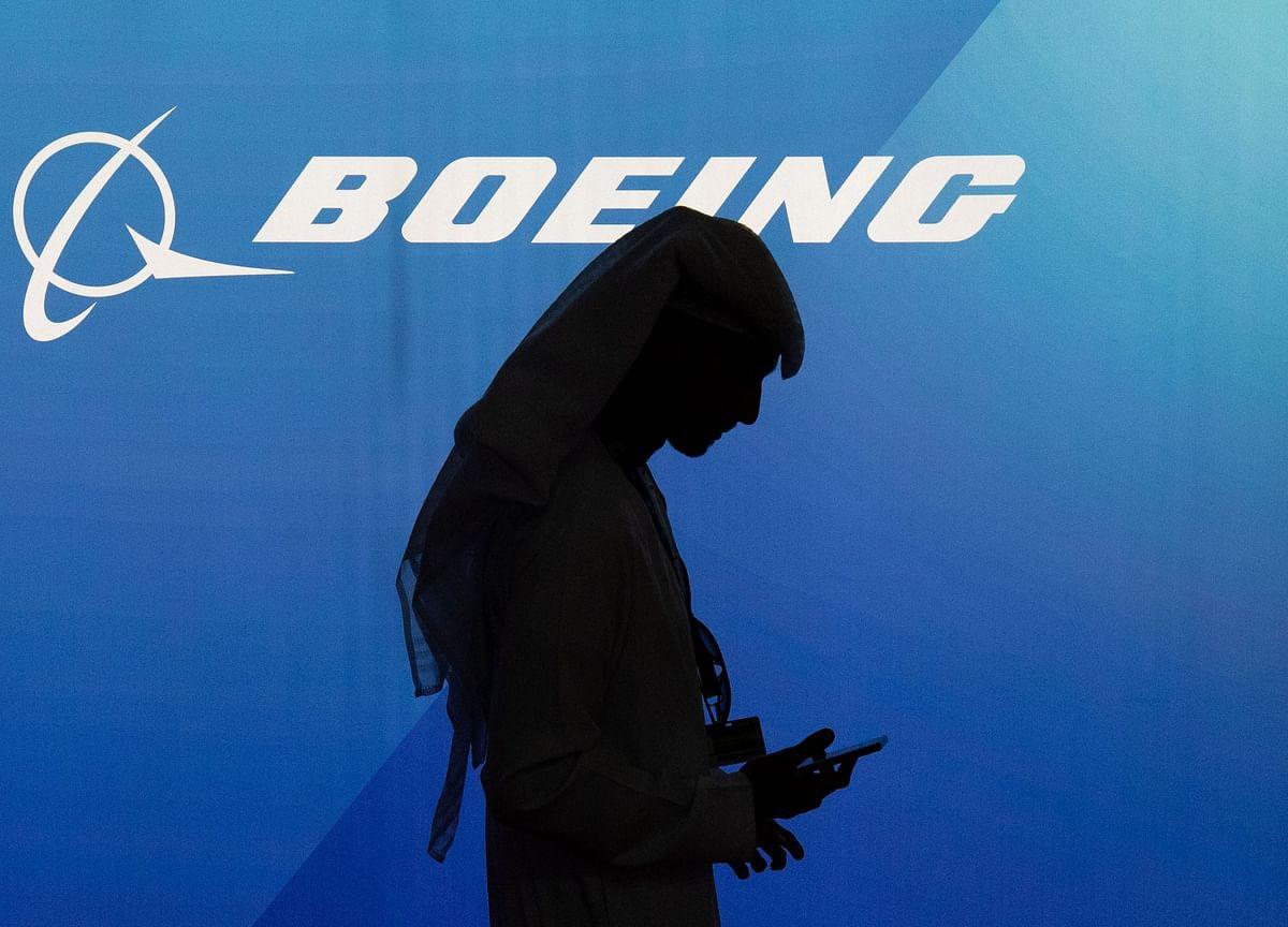 Democratic Senators Demand Boeing Scrap Bonus for New CEO