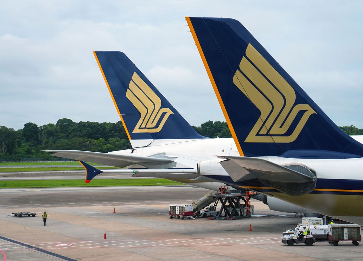 Singapore Air Seeks Liquidity After Suffering Record Loss