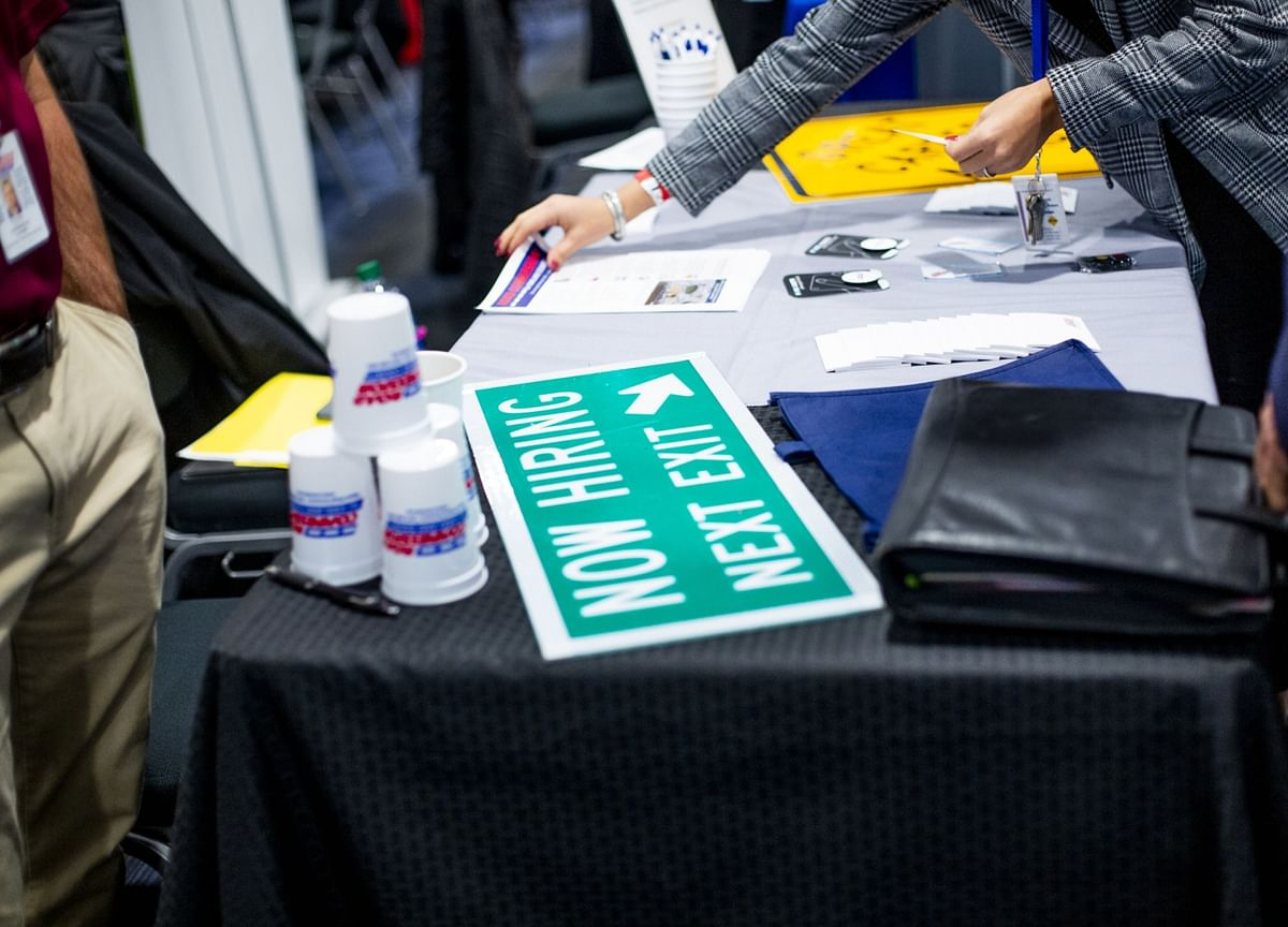 U.S. Jobless Claims Decrease to Lowest Level in Five Weeks