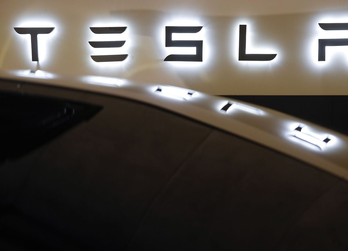 Tesla Surges Past $100 Billion Market Value, Eclipsing VW