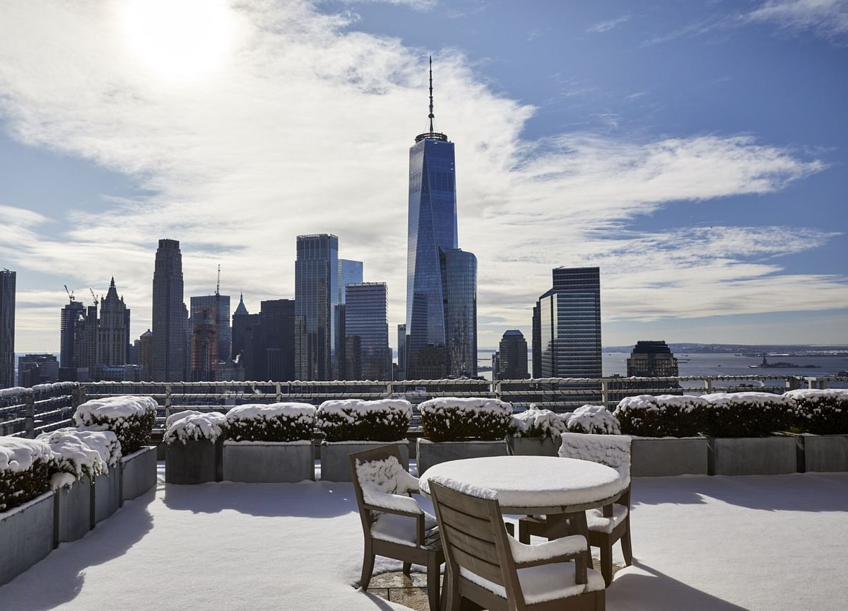 U.S. Surges Ahead as World's Top Hotspot for the Fabulously Rich