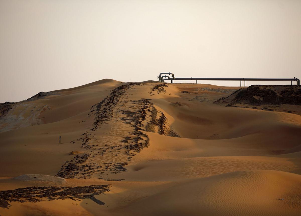 Saudi Aramco Props Up Slumping Middle East Energy Debt Market