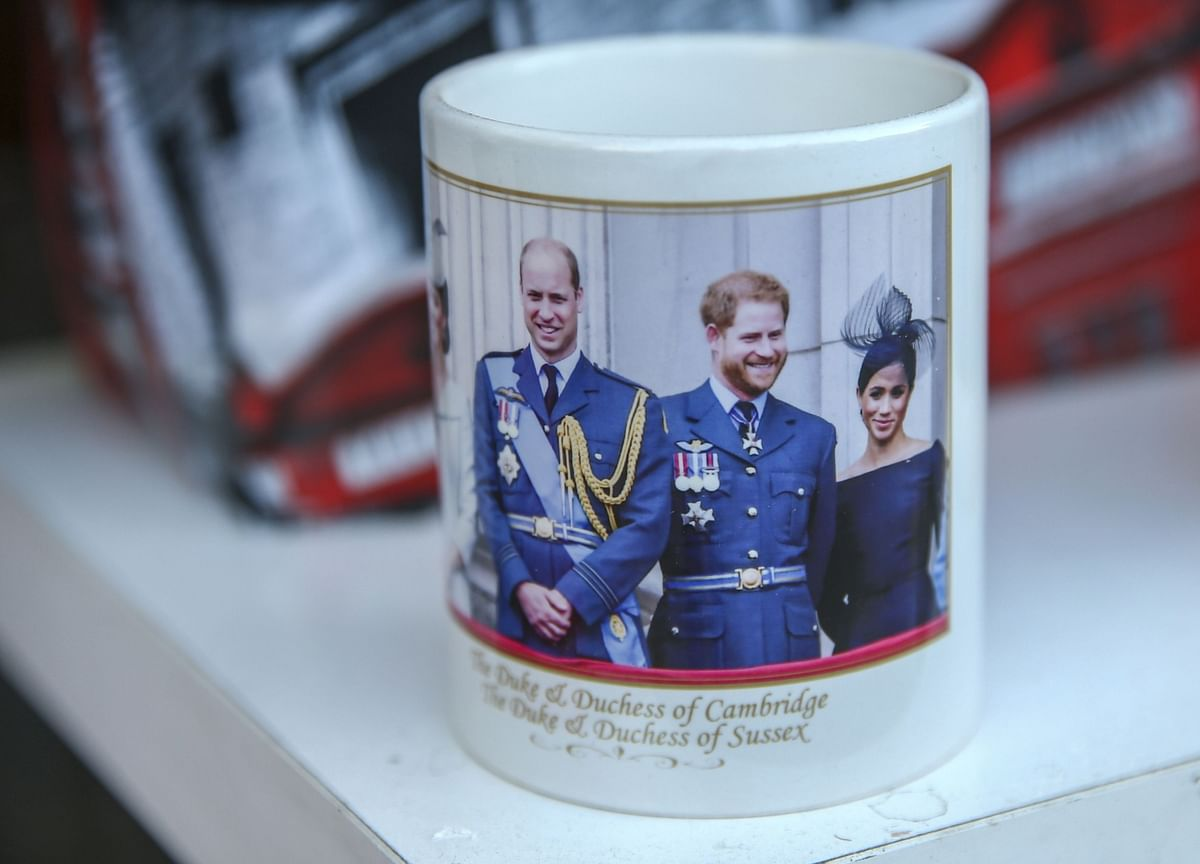 Prince Harry andMeghan Reach Deal With Royal Family and Relinquish Titles