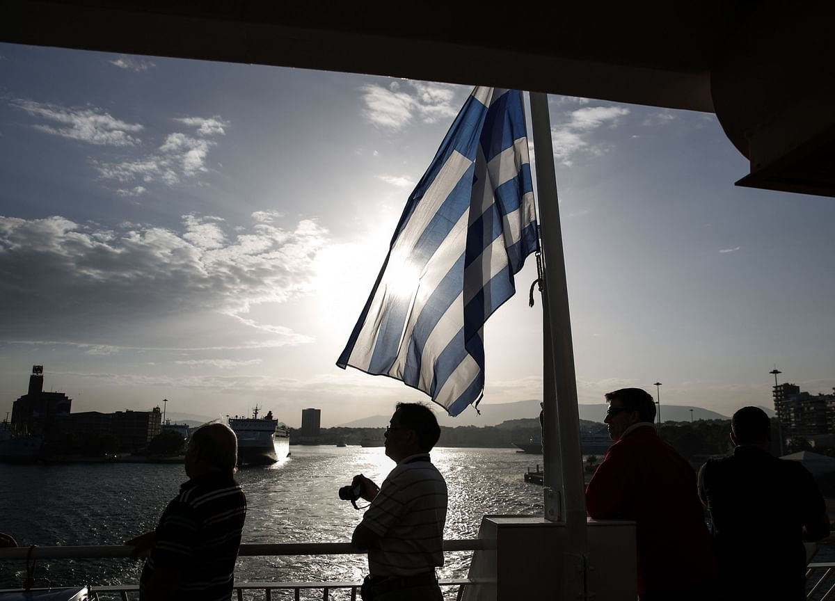 Greece Beat the Coronavirus. Can Tourists Now Save Its Economy?