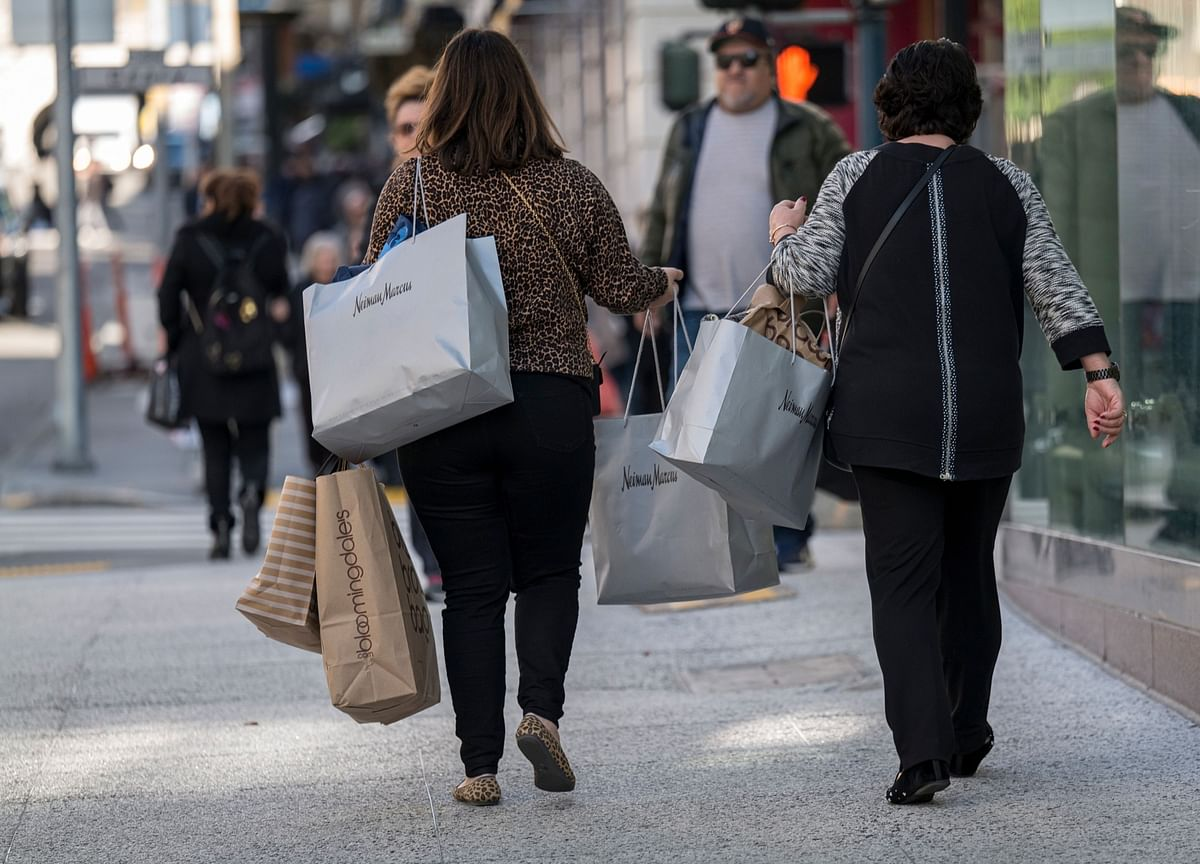 Upbeat U.S. Consumers in Driver's Seat as Retail Sales Climb