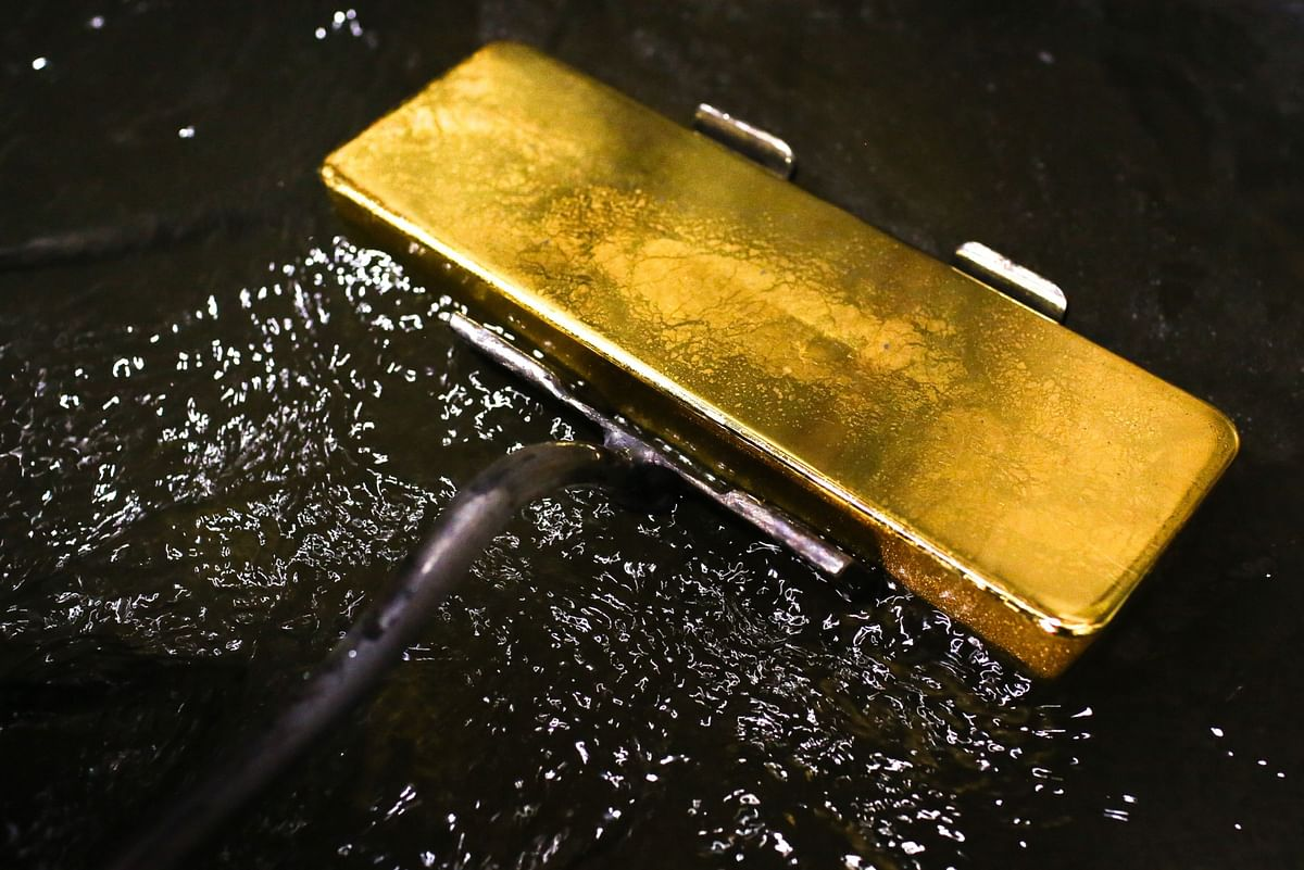 Gold Hits 6-Year High With Goldman Backing Bullion Over Oil