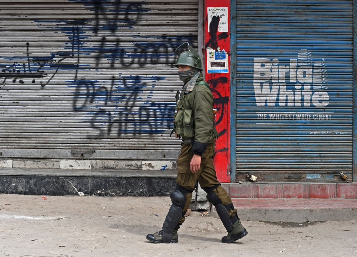 Kashmir Internet Shutdown: Supreme Court Says Freedom Of Speech, Business On Internet A Fundamental Right