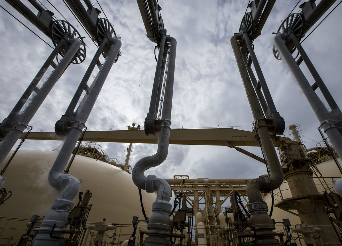 Natural Gas Tumbles to 4-Year Low on 'Epic' U.S. Demand Loss