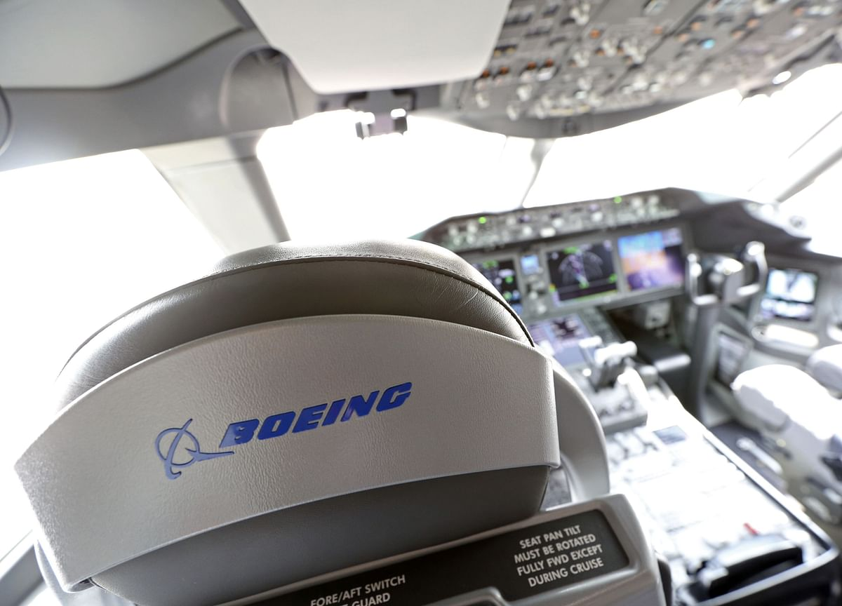 Boeing Drops on Reports of Max Issues, Possible Fundraising