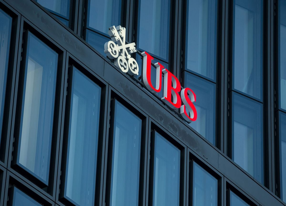 UBS Wealth Bankers Get Dose of Credit Suisse Tonic in Khan Plan