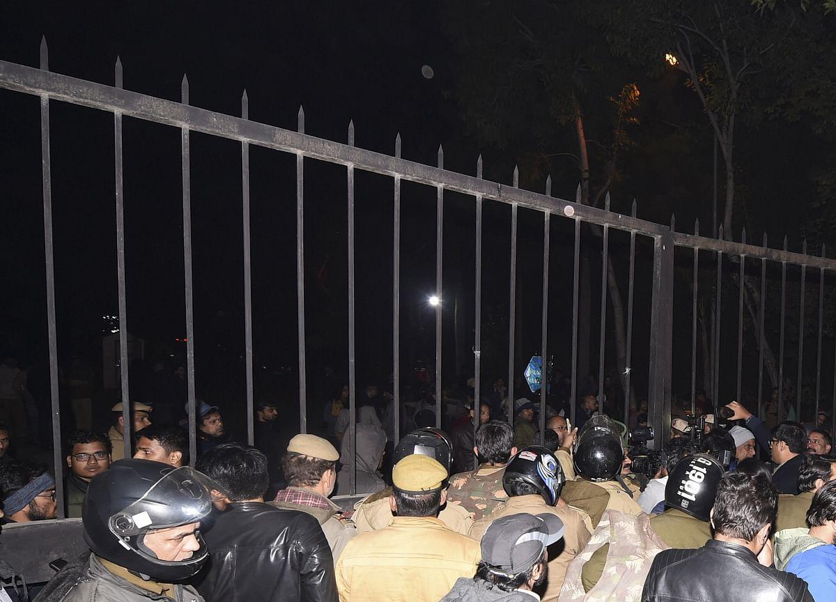 JNU Violence Updates: Deepika Padukone Joins JNU Students In Solidarity