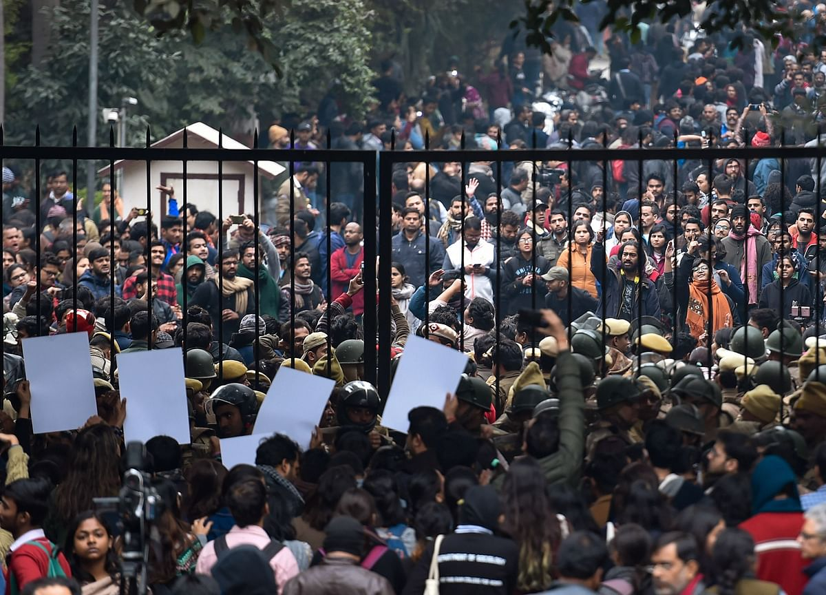 JNU Students' March To Rashtrapati Bhavan Stopped By Police