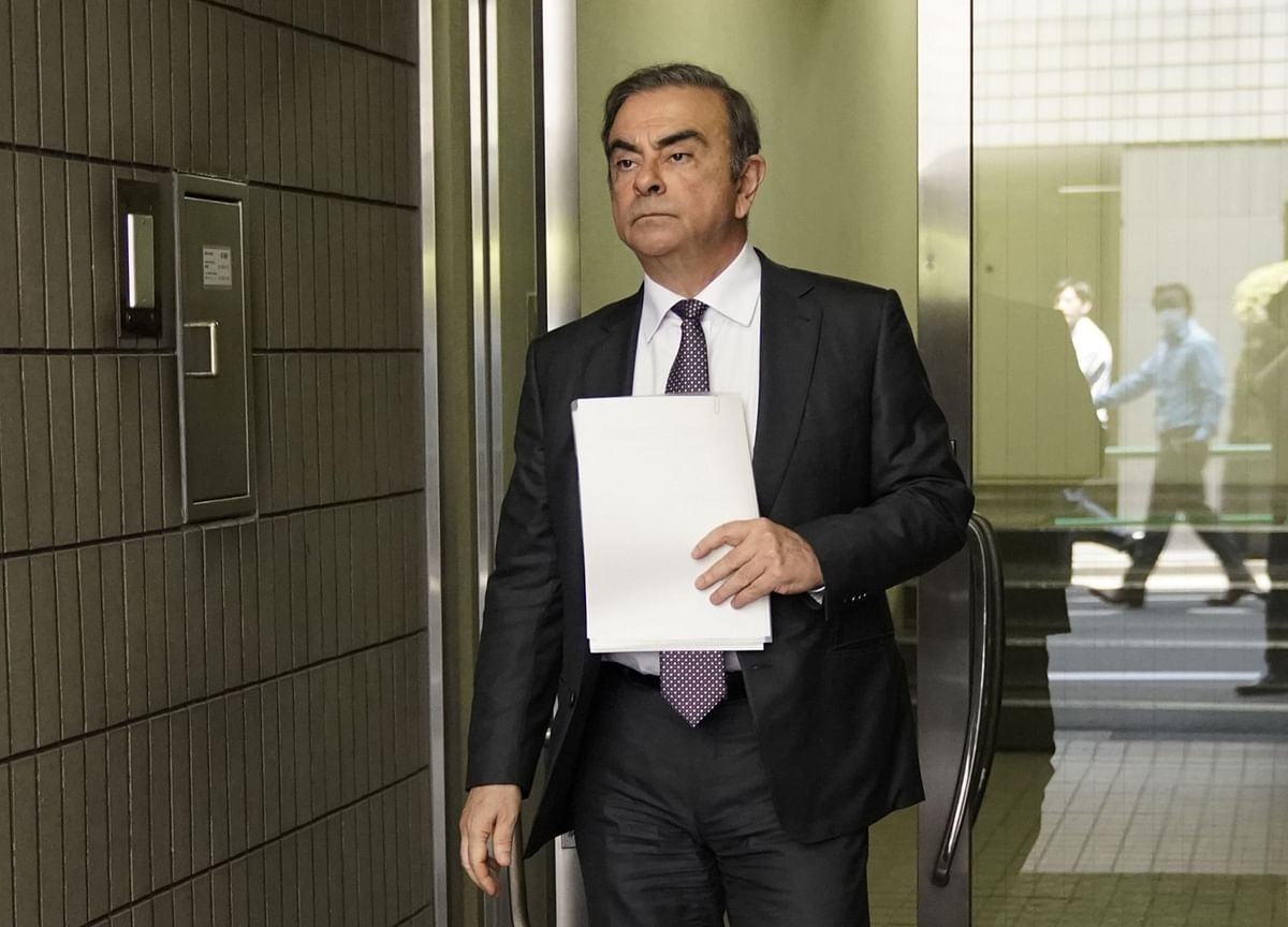 Ghosn Nearly Crossed Paths With Japan Prime Minister as He Fled
