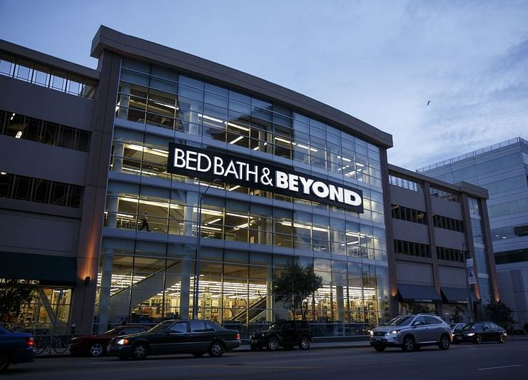 Bed Bath & Beyond Falls After Disclosing More Sales Doldrums
