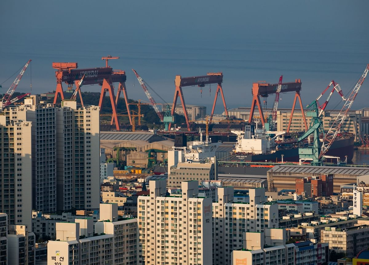 South Korea Exports Post Slimmer Decline in Sign of Recovery