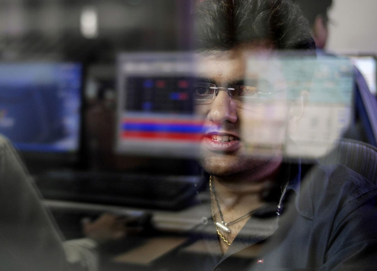 Brokerage Stocks Surge as Retail Trades Jump to Record in India